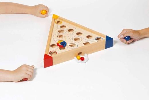 Geschicklichkeitsspiel Tricours