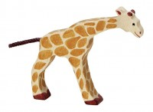 Kleine Giraffe - trinkend